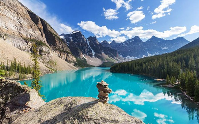 Best Canadian National Parks to Explore This Summer